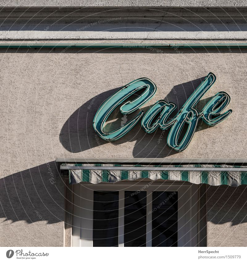 Kaffeezeit alt Fenster Fassade Metall Glas Schilder & Markierungen ästhetisch Schriftzeichen retro Restaurant türkis Café Putz Städtereise Wien Markise