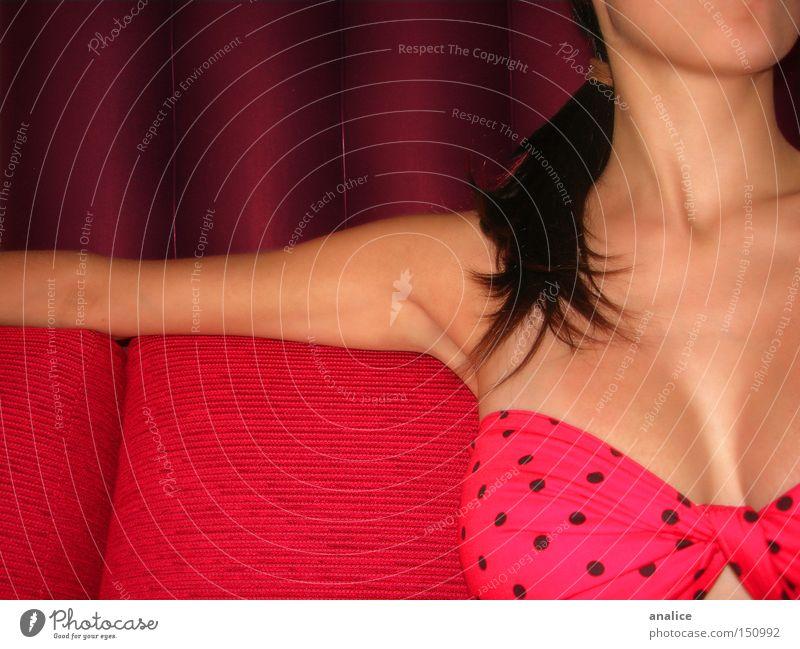 Mensch Frau Jugendliche schön Farbe rot 18-30 Jahre Erotik Erwachsene feminin Haare & Frisuren Körper sitzen Haut Arme Frauenbrust