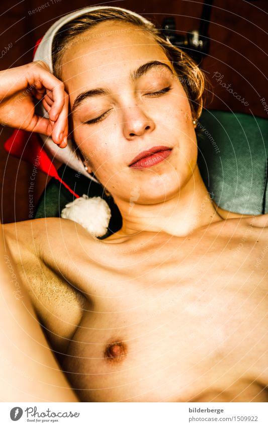 zu weihnachten . . . danach Frau nackt schön Erotik Erwachsene feminin Glück Zufriedenheit genießen Sex berühren Weihnachtsmann Lust Selbstbefriedigung