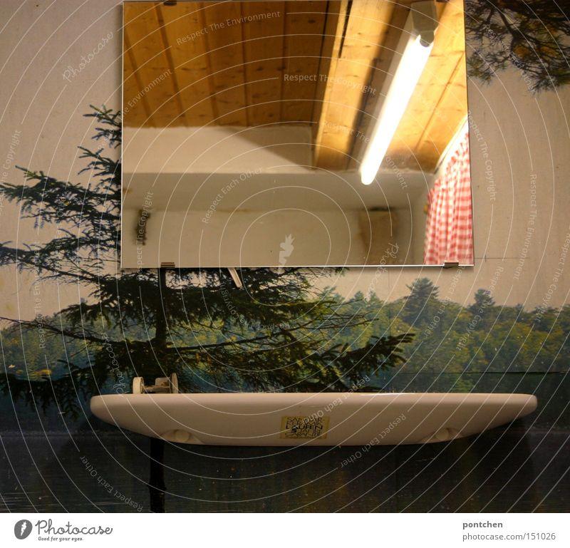 geschmacksverirrung ;-) Wald Stimmung Beleuchtung Bad Kitsch Häusliches Leben Spiegel Innenarchitektur Tapete Vorhang Gardine Sechziger Jahre einrichten kultig