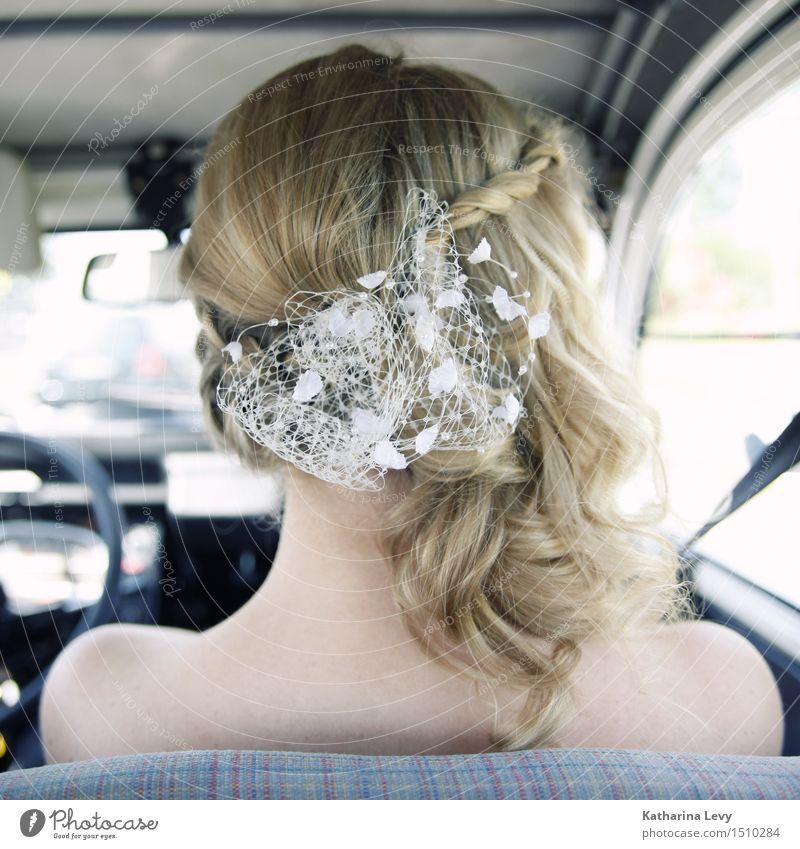 * Mensch Frau Jugendliche blau schön weiß 18-30 Jahre Erwachsene feminin Lifestyle Haare & Frisuren Kopf Party PKW elegant blond