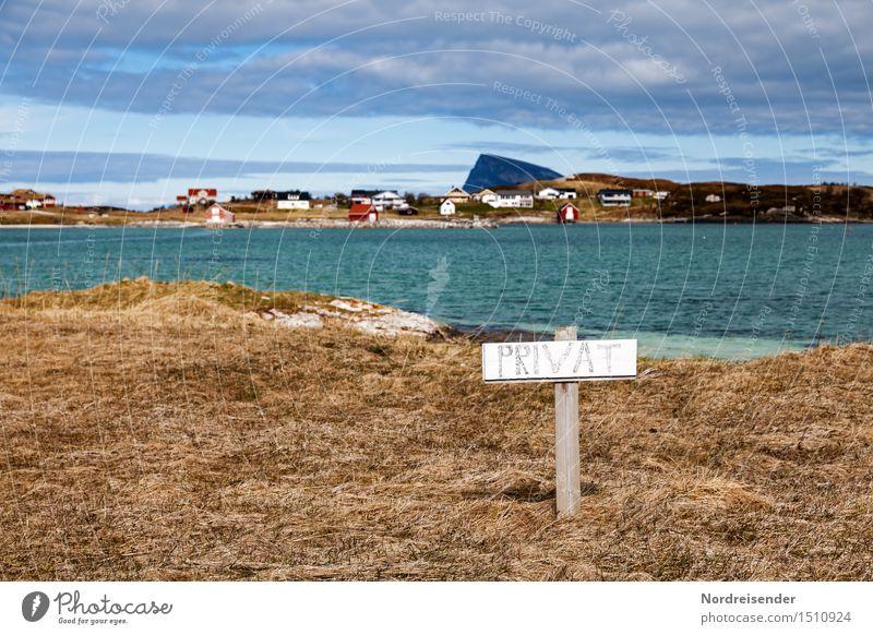 Das letzte Hemd hat keine Taschen.... Landschaft Wasser Himmel Wolken Wiese Küste Fjord Meer Dorf Fischerdorf Haus Architektur Zeichen Schriftzeichen