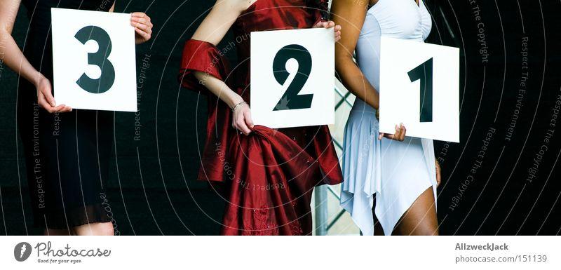 3..2..1.. Frau schön Freude Ziffern & Zahlen Dame Messe Sportveranstaltung wählen Konkurrenz Ausstellung Mensch Laufsteg