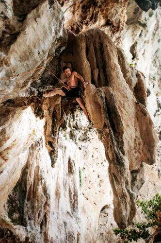 Klettern in Tonsai Beach Thailand Ferien & Urlaub & Reisen Tourismus Abenteuer Sommerurlaub Berge u. Gebirge Sport Fitness Sport-Training Bergsteigen Mensch