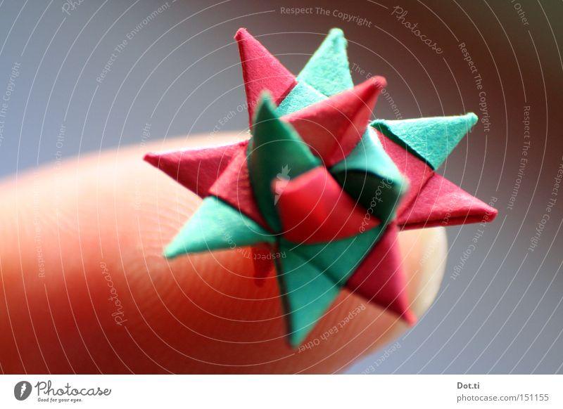 Microorigami Haut Freizeit & Hobby Basteln Handarbeit Dekoration & Verzierung Finger Papier Kitsch Krimskrams außergewöhnlich eckig schön klein Spitze grün rot