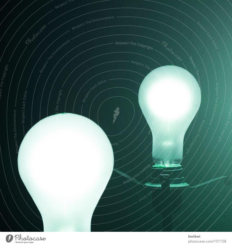 erleuchtung Sonne Lampe dunkel hell Energie Elektrizität Technik & Technologie Häusliches Leben Licht Draht Glühbirne Elektrisches Gerät