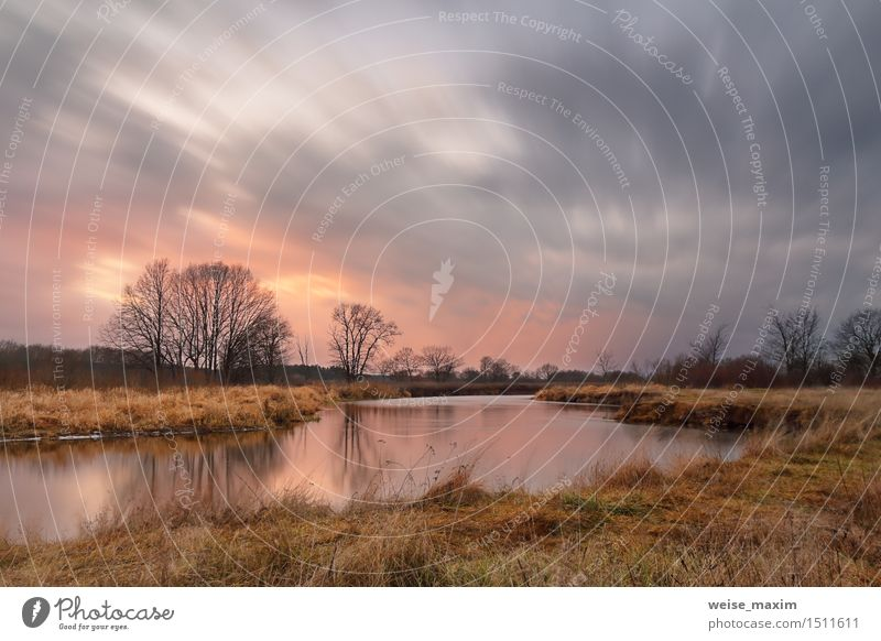 Warmer Winter. Sonnenuntergang mit Wolke Landschaft Himmel Wolken Sonnenaufgang Wind Regen Baum Gras Sträucher Wiese Wald Flussufer Skyline gelb grau rosa rot