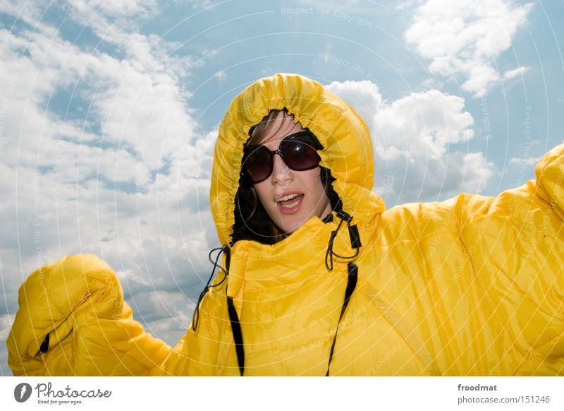 sunday morning Frau Jugendliche Sommer Freude Gesicht Kopf Wärme Nase verrückt Coolness Sonnenbrille Fusion Schlafsack