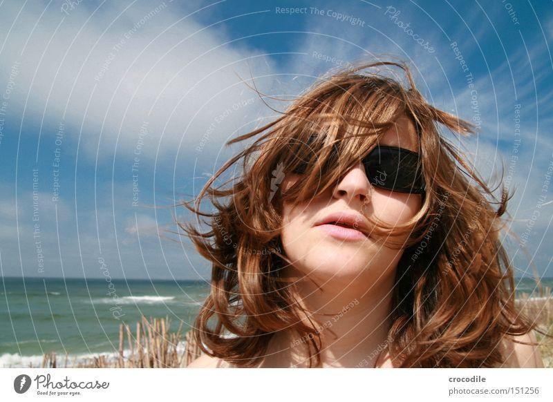 Strandnixe Frau schön Lippen Meer Nordsee Wolken Wellen Sonnenbrille Freude Haare & Frisuren