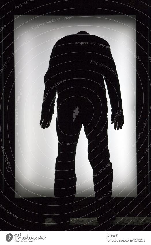 BLN08_kopflos. Mann dunkel Beine Körper Arme Hinweisschild Poster