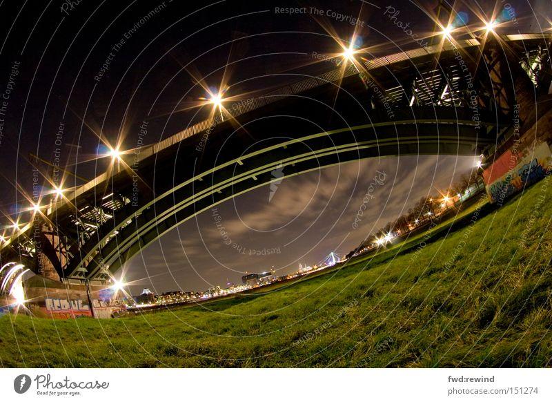 Stargate Himmel grün Wolken Wiese Brücke Elektrizität Rasen Köln Stahl Nachtaufnahme
