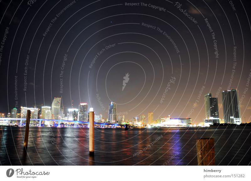 si es ei miami Gebäude Beleuchtung Energie Hochhaus modern Elektrizität USA Hafen Florida Amerika Skyline Miami Lichttechnik Veranstaltungsbeleuchtung