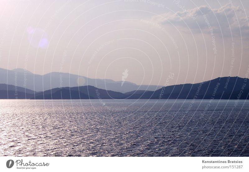 friedliche Zwischenwelt Farbfoto Gedeckte Farben Außenaufnahme Menschenleer ruhig Ferien & Urlaub & Reisen Sommer Meer Insel Natur Wasser Himmel Wolken Wellen