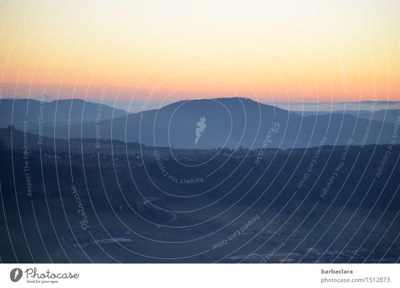 Blick vom Klippeneck Landschaft Himmel Nebel Hügel Berge u. Gebirge Kleinstadt Straße leuchten hell blau Stimmung Horizont Klima Natur Umwelt Ferne Farbfoto