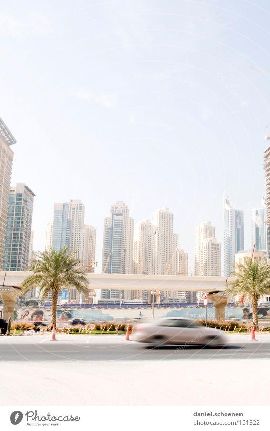 Metropolis 3 Stadt Straße Bewegung PKW Wohnung Hochhaus Verkehr modern KFZ Wachstum Häusliches Leben Skyline Dubai Arabien Vereinigte Arabische Emirate