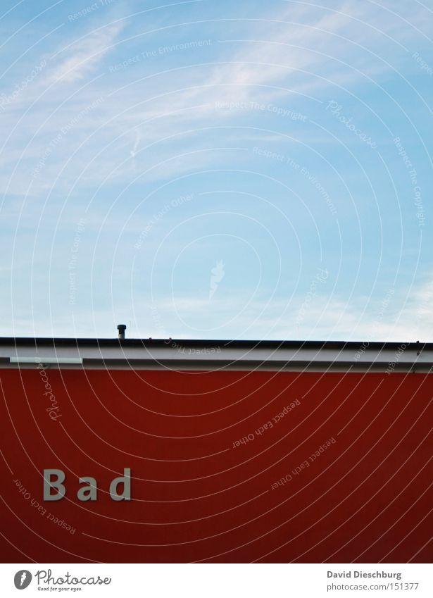 Santa Bad Schwimmbad Himmel Dach rot blau Kontrast Wand Schwimmen & Baden Linie Buchstaben Schriftzeichen Textfreiraum oben Blauer Himmel Wort Typographie