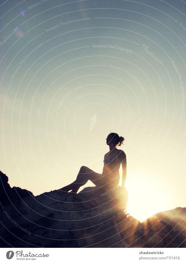 Schöner Traum Frau Natur schön Himmel Sonne Strand Ferien & Urlaub & Reisen ruhig Wärme Küste Körper Sonnenuntergang