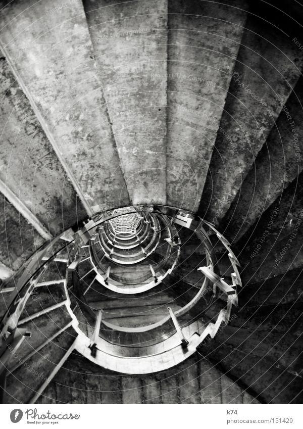 @ Treppe rund Kreis Treppenhaus Schnecke drehen Treppengeländer hoch steigen oben Beton Architektur ab