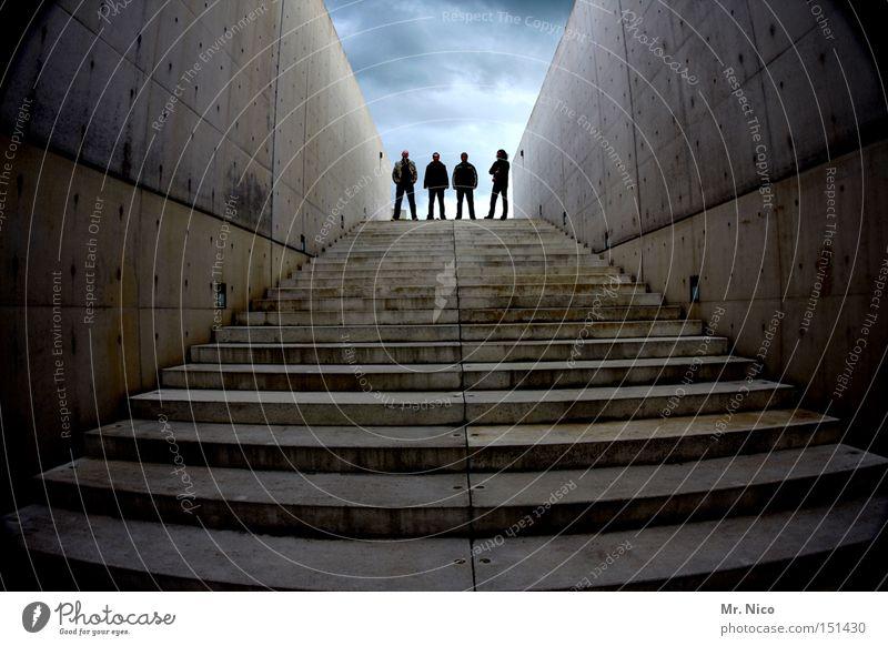 The dark side of life Mann Himmel dunkel Menschengruppe Freundschaft Stimmung Beton Treppe modern 4 Schnur Musiker Band Betonwand
