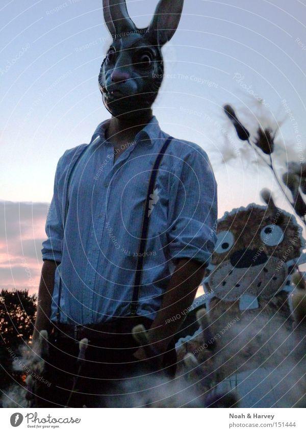 Harvey und ein entfernter Verwandter Mann Freundschaft Feld Maske Porträt Abenddämmerung Fantasygeschichte Literatur