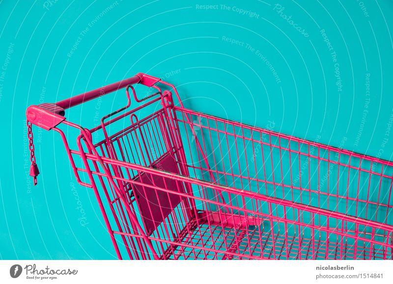 Shopping in Pink (Detail) Lifestyle kaufen Freizeit & Hobby Handel Fröhlichkeit Billig trendy einzigartig Kitsch Stadt verrückt rosa türkis Optimismus Erfolg