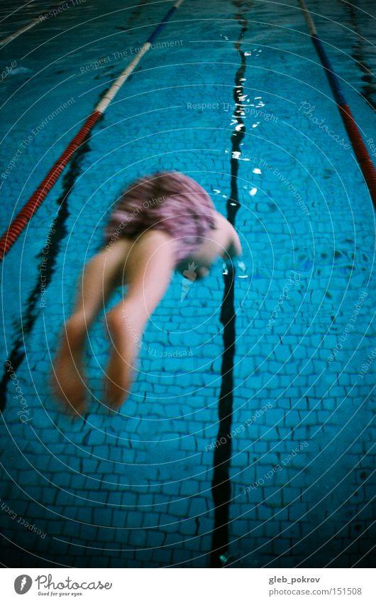 Springen. Mann springen Wasser Gesundheit blau Beine Russland Sibirien Aktion Sport Mensch Dinge