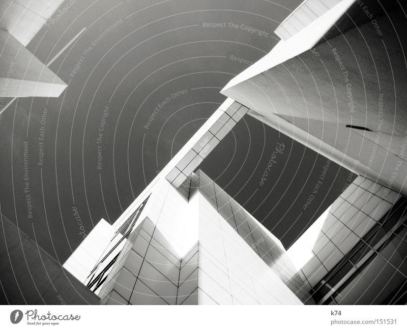 ALLES NEU kalt grau Architektur fliegen modern Luftverkehr neu Zukunft Bauwerk Geometrie Futurismus Schwarzweißfoto