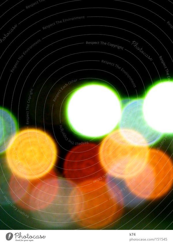 streetlights III Licht Beleuchtung Nacht Streetlife Punkt Verkehr Kreis mehrfarbig schön Verkehrswege Scheinwerfer blurred