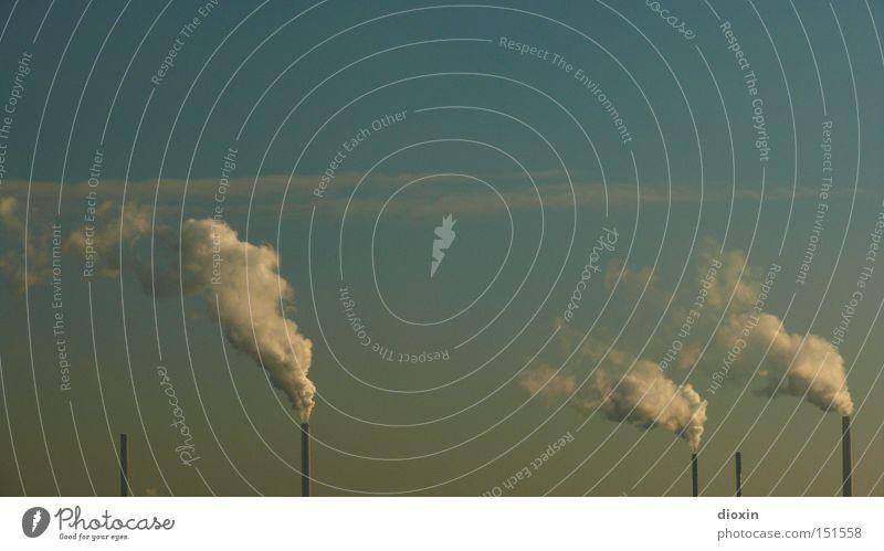 Nein zu Block 9 Farbfoto Außenaufnahme Menschenleer Textfreiraum oben Abend Dämmerung Schatten Totale Industrie Energiewirtschaft Kohlekraftwerk Energiekrise
