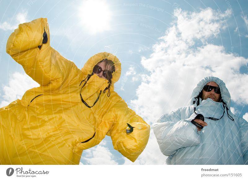 haifischmaden Jugendliche Sonne Sommer Freude Farbe Gesicht Spielen Wärme lustig verrückt Coolness stark Sonnenbrille Schlafsack