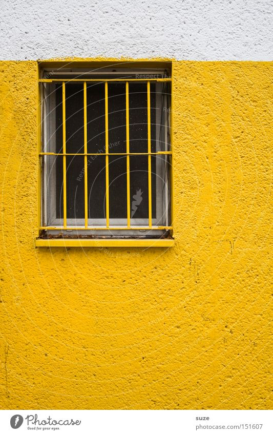 Schwedische Gardinen I weiß Einsamkeit Haus Fenster gelb Wand Gebäude Mauer Fassade Arbeit & Erwerbstätigkeit geschlossen Schutz Sicherheit Wachsamkeit Putz