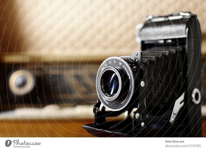 """alte Kamera """"retro"""" Radio Stil Musik Lautsprecher Radiogerät Fotokamera Technik & Technologie Musik hören Holz Design """"Fotokamera balgenkamera verschluß"""