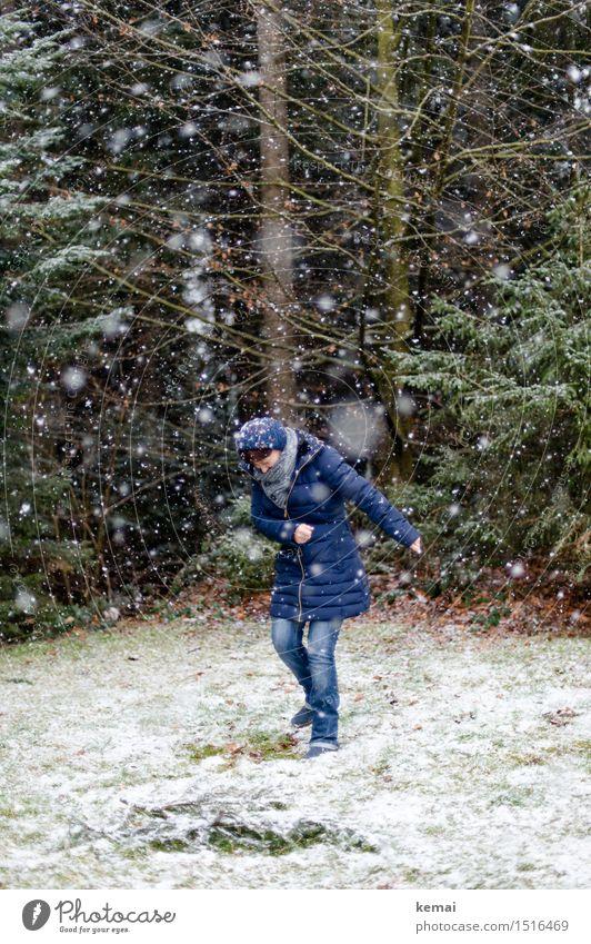 Märchen | Rumpelstilzchen Mensch Frau Natur blau Baum Freude Winter Wald Erwachsene Leben Senior Schnee feminin Spielen Lifestyle Freiheit