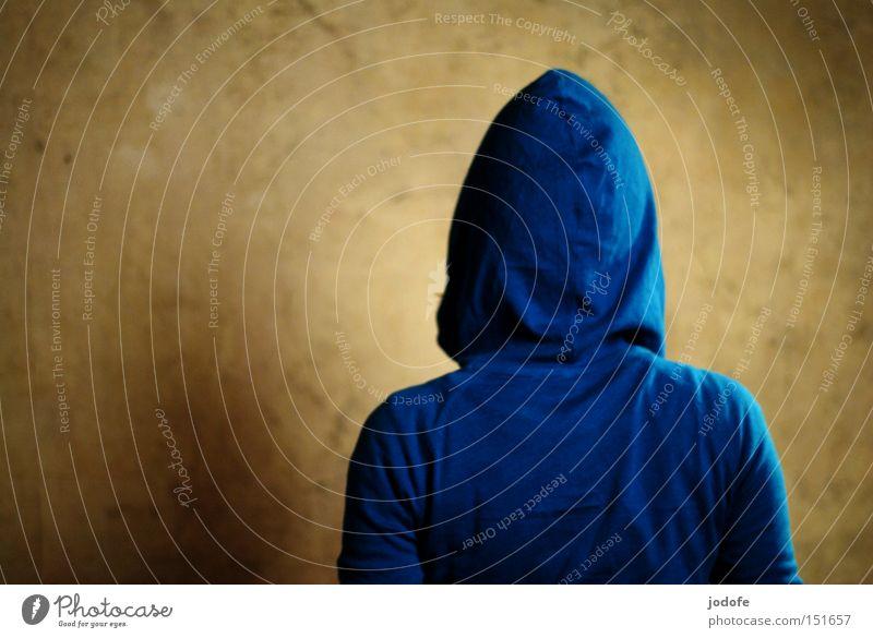 abgewandt. Mensch Frau Jugendliche blau Erwachsene Wand Kopf Mauer Rücken stehen Bekleidung Junge Frau Falte Jacke türkis Schulter