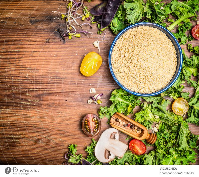 Couscous mit Grünkohl und Gemüse Zutaten fürs Kochen Lebensmittel Salat Salatbeilage Getreide Kräuter & Gewürze Ernährung Mittagessen Abendessen Bioprodukte