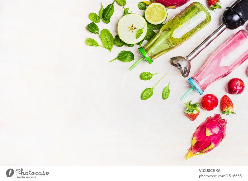 Grüne und rote Smoothie in Flaschen mit frischen Zutaten Sommer Gesunde Ernährung Leben Stil Hintergrundbild Lebensmittel Frucht Design Getränk Bioprodukte