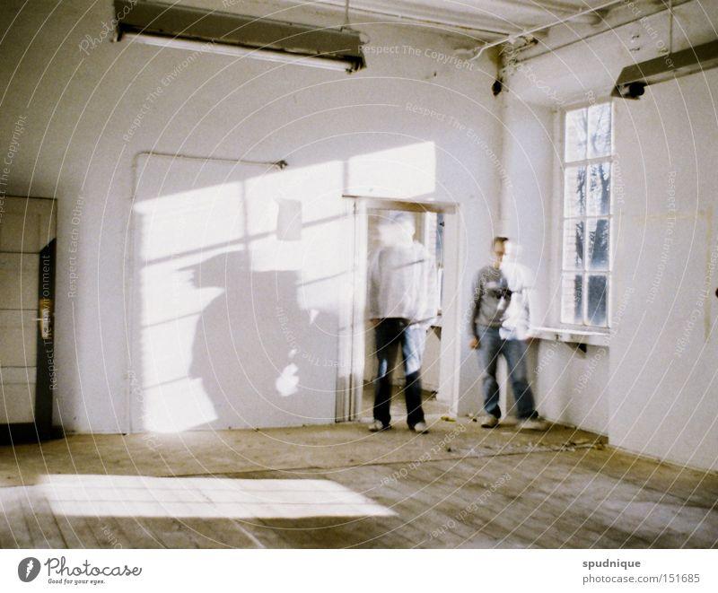 Transparenz weiß Sonne ruhig Einsamkeit Fenster hell Raum leer Vergänglichkeit verfallen durchsichtig Geister u. Gespenster