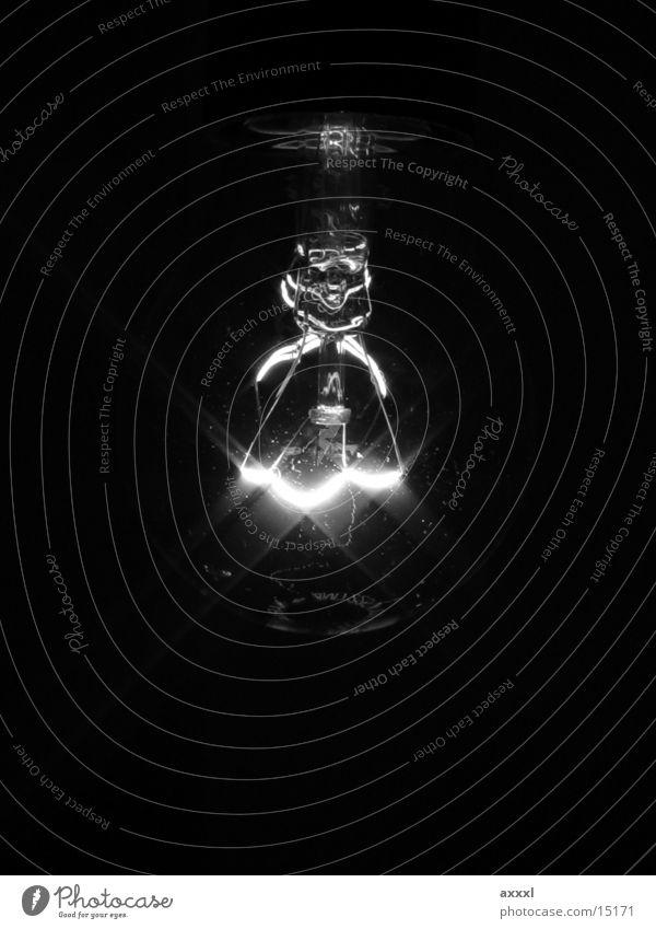 Birne1 S/W Lampe Licht Elektrisches Gerät Technik & Technologie Schwarzweißfoto