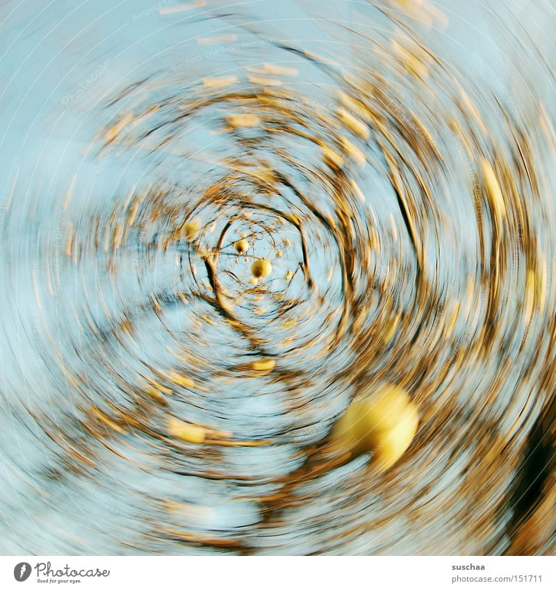 apfelstrudel Apfelbaum Ast Baum Himmel Wasserwirbel rund Drehung Bewegungsunschärfe Verwirbelung
