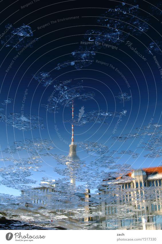Spreetreiben Stadt blau Wasser Haus Winter Architektur Berlin Gebäude See Fassade Eis Schönes Wetter Turm Fluss Frost Bauwerk
