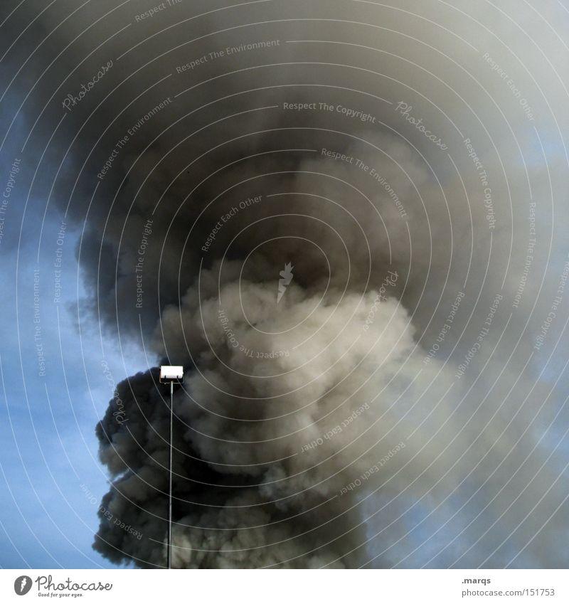 Raucherpause Himmel Angst Brand Feuer Rauch Laterne Abgas brennen Geruch Desaster Panik Umweltverschmutzung Klimawandel Smog Notfall Alarm