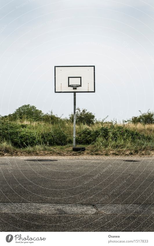 Amrum / Basketball Ferien & Urlaub & Reisen Stadt Leben Traurigkeit Sport Lifestyle Spielen Tourismus trist leer Fitness Asphalt Nordsee Sport-Training