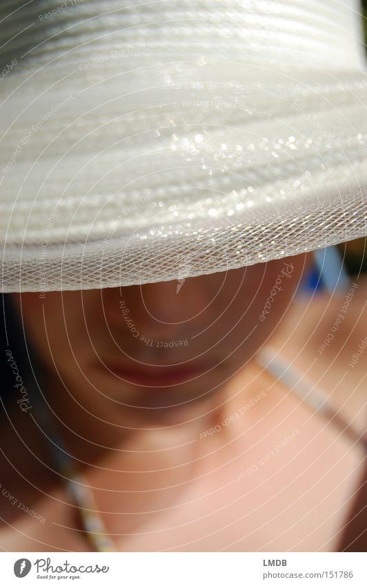Noble Blässe Frau weiß Sommer Gesicht Hut verstecken Sonnenbad Wetterschutz Kopfbedeckung