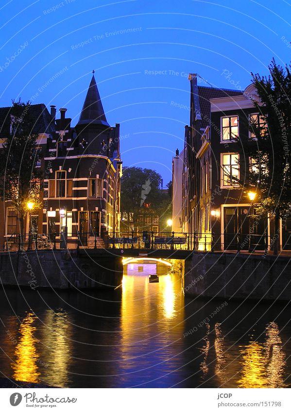 AmSterdam Amsterdam Niederlande Hauptstadt Erholung Gracht Wasser Nacht Licht Wasserfahrzeug night
