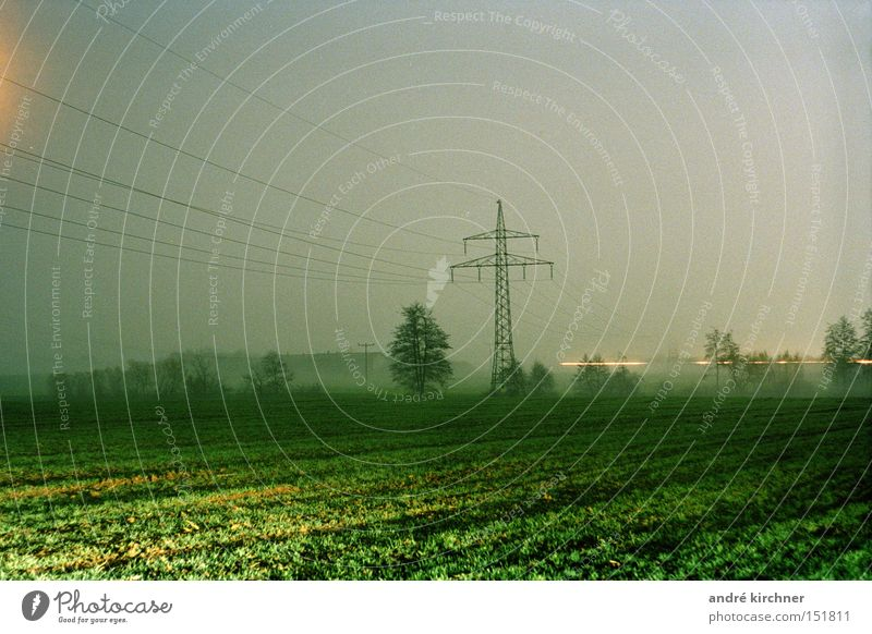00:17 uhr Himmel Baum Herbst Bewegung Gras Feld trist frei Energie Kommunizieren Elektrizität Telekommunikation weich Kabel Getreide Ernte