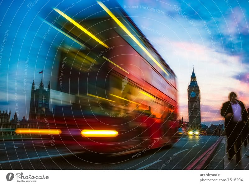 London Ferien & Urlaub & Reisen Ausflug Stadt Verkehr Straße Bewegung urban auf der Straße Big Ben Pendler Pendeln Menschen Wahrzeichen Bus Pullman Farbfoto