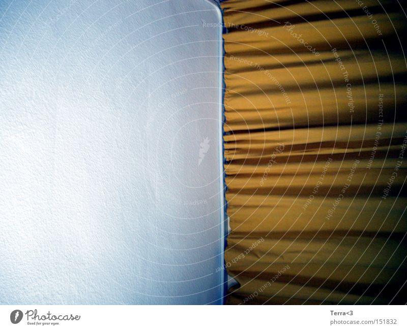 Alles nur Theater weiß gelb Wand Linie braun Architektur gold Dekoration & Verzierung Häusliches Leben Stoff Falte Teilung Vorhang edel Gardine