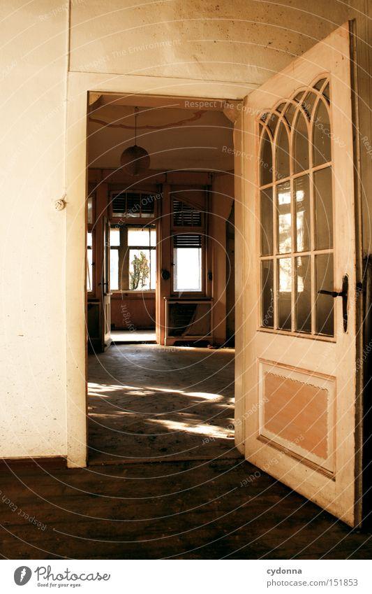 Offen Haus Villa Fenster Licht Leerstand Häusliches Leben Zeit Vergänglichkeit Klassik Nostalgie Jahrhundert verfallen altmodisch Einsamkeit Raum Tür