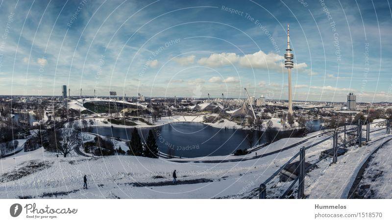 Münchner Olympiapark im Winteridyll Turm ästhetisch Olympiaturm Olympiastadion Olympiasee Olympiadorf Panorama München Blau Schnee Olympische spiele 1972