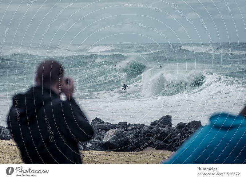 Surf Fotografie bei massiven Wellen Ferien & Urlaub & Reisen Sommer bedrohlich blond gigantisch groß hoch sportlich verrückt blau grün Kraft Mut gefährlich